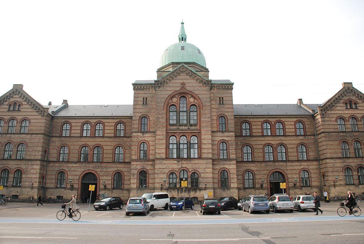 1200px-Kommunehospitalet_(Copenhagen)